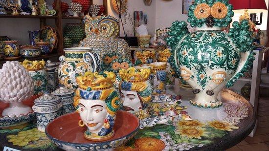 Piastrelle di caltagirone prezzi. great trinacria in ceramica