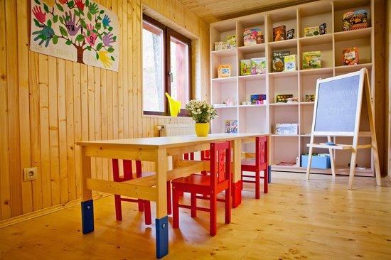 с.ТурьяПасека, Украина: Детский клуб, 1-й этаж