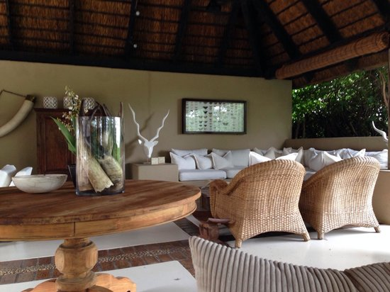 Lion Sands River Lodge : The lounge area