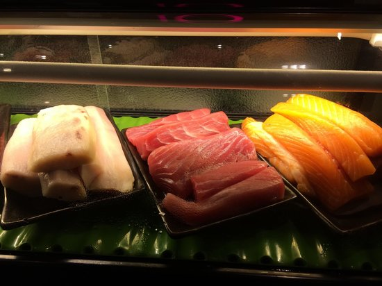 10 at Claymore: Sushi corner