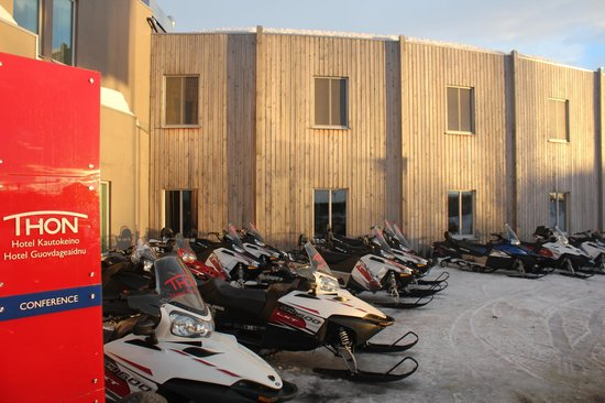 Thon Hotel Kautokeino: In winter you can rent snowmobile and necessary equipment