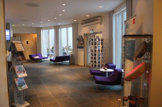 Thon Hotel Kautokeino: Front Desk Area