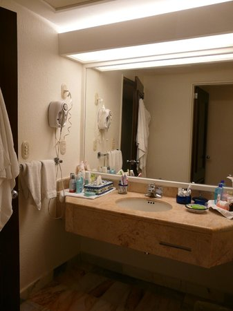CasaMagna Marriott Cancun Resort: Bathroom