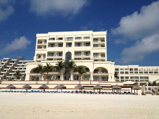Marriott Cancun Resort : Casa Magna Marriott Hotel, beach view