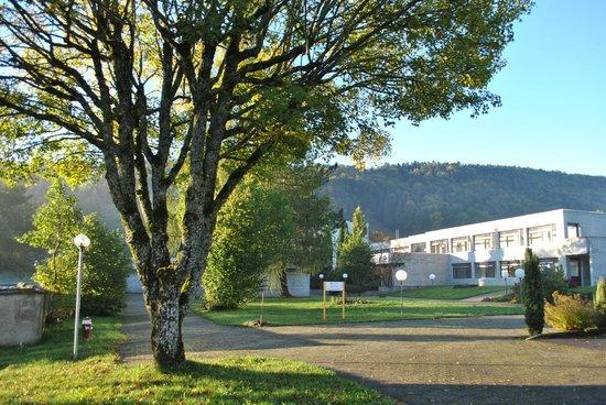 Centre de Sornetan: Allée du Centre