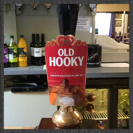 Old New Inn Cafe Bar: Mmm local beer