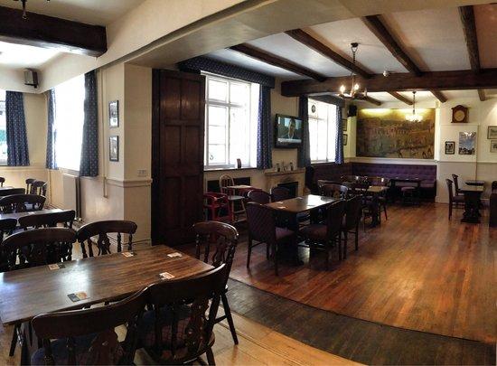Old New Inn Cafe Bar: Plenty of seats