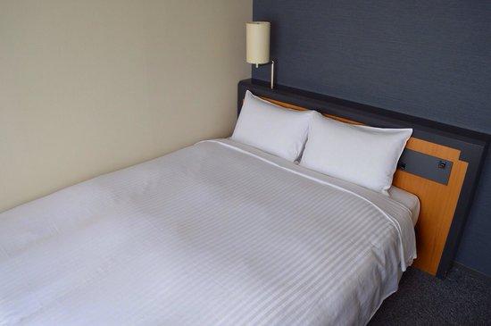 Sotetsu Fresa Inn Tokyo Kamata: Bed