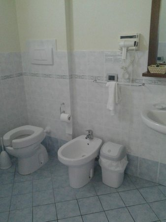 I Tre Baroni: Il bagno