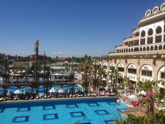 Crystal Sunset Luxury Resort & Spa: Lobby'nin terasindan manzara