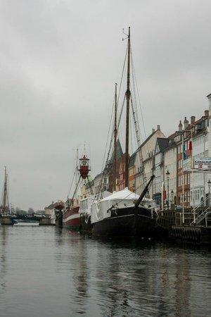 Stromma Canal Tours Copenhagen : So many boats along the way