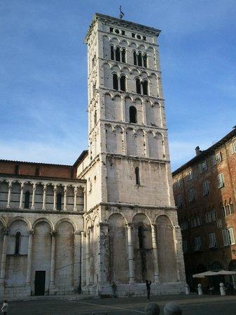San Michele in Foro: Il campanile tagliato!