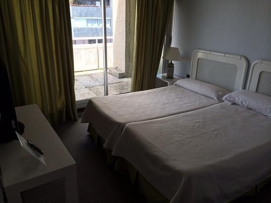 Apartamentos Eurobuilding 2: chambre