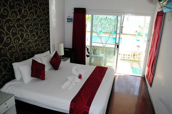 Rimlay Villas - La chambre avec vue sur la piscine