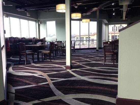 Holiday Inn Express N. Myrtle Beach-Little River: breakfast seating area