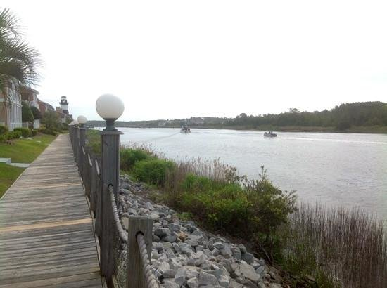 Holiday Inn Express N. Myrtle Beach-Little River: view from walkway along harbor