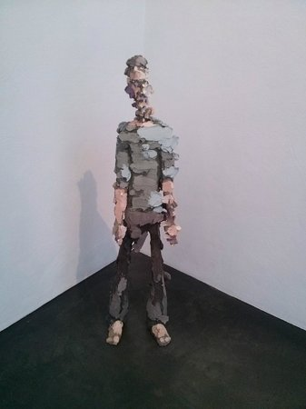 Musée Kiasma d'art contemporain (Nykytaiteen Museo) : чел
