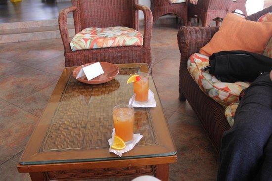 Sugar Cane Club Hotel & Spa : Rum punch!