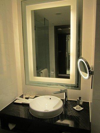 Nice Bathroom Design Picture Of Carlton City Hotel Singapore Tripadvisor