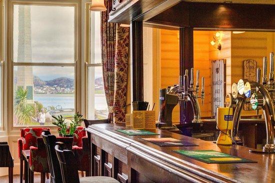 Baytree Hotel: Bar area