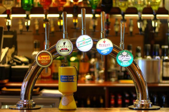 Baytree Hotel: Draught beers available