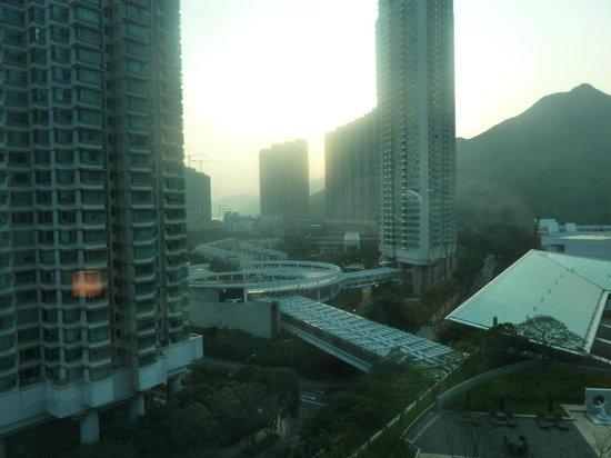 Novotel Citygate Hong Kong: вид из окна