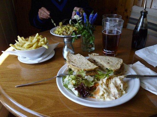 The Old Quay Inn: Tasty food.