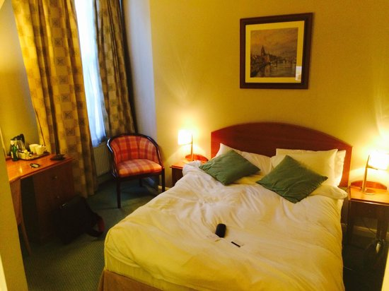 The Manor Hotel: Double room
