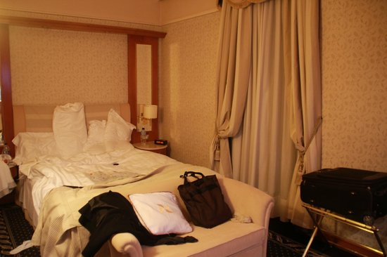Four Points by Sheraton Milan Center: Standard room. You could tell it's small
