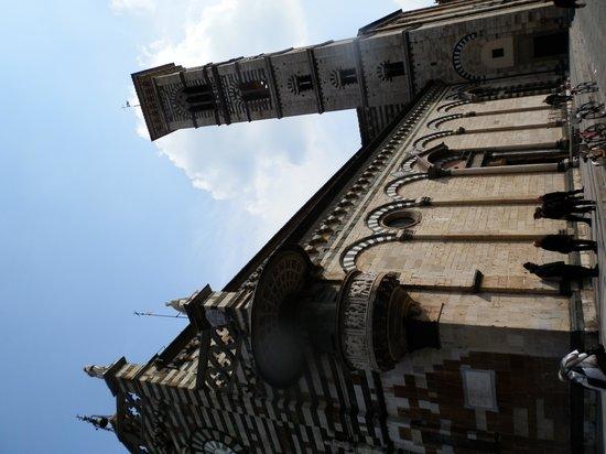 Duomo di Prato: duomo con campanile
