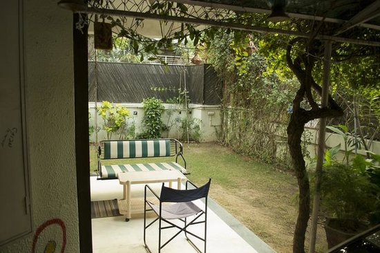 BnB Ahmedabad: Common Area - Patio