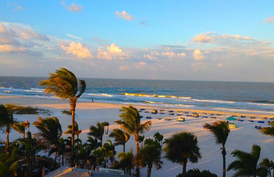 Grand Plaza Beachfront Resort Hotel & Conference Center: Early morning view from balcony in room 412