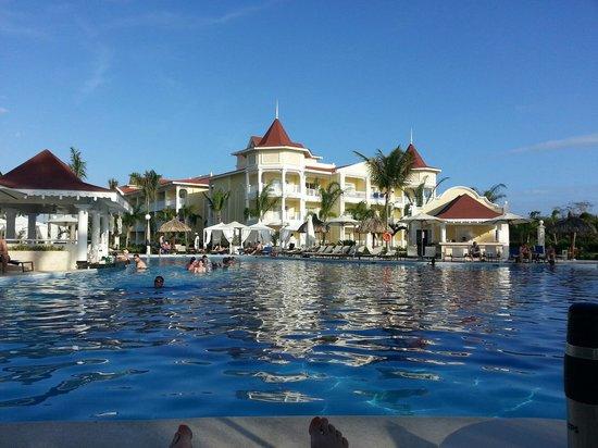 Luxury Bahia Principe Bouganville Don Pablo Collection : Vue extérieur du complexe a partir de la piscine