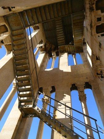 Palais de Dioclétien : View up bell tower