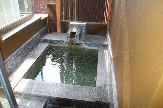 Hoshino Resorts KAI Matsumoto: 露天風呂