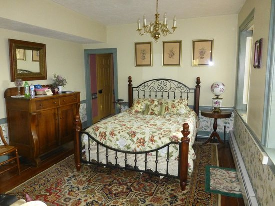 The Historic Fairfield Inn 1757 : Patrick Henry Room