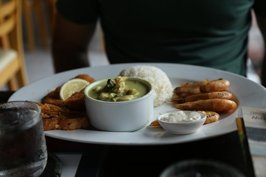 Kata Villa Restaurant: green curry combo meal