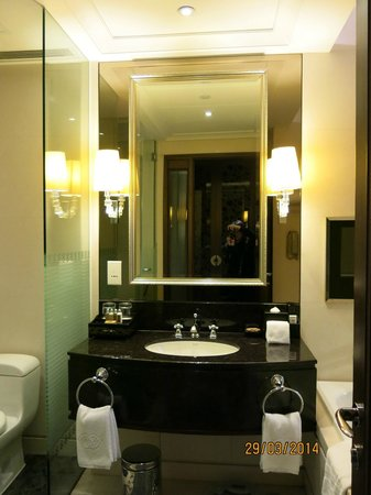 Clean Bathroom!