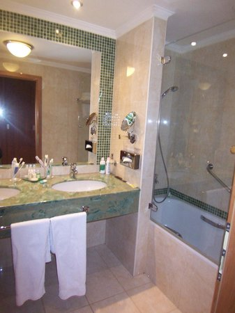 President Hotel Prague: Bathroom