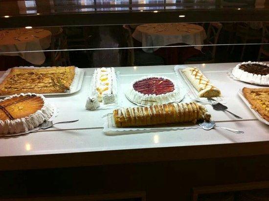 Hotel Helios Mallorca: Savonds als toetje heerlijk buffet