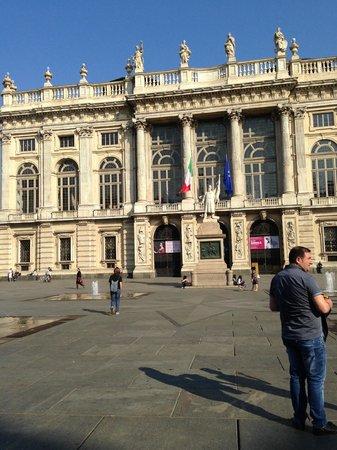 Piazza Castello : PIAZZA LATO2