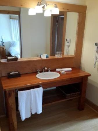 Correntoso Lake & River Hotel: Toilette jr suite 310