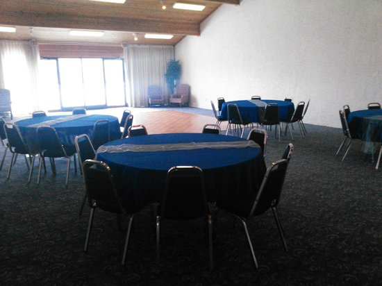 Swiss Chalet Hotel: Seria Blanc Meeting Room