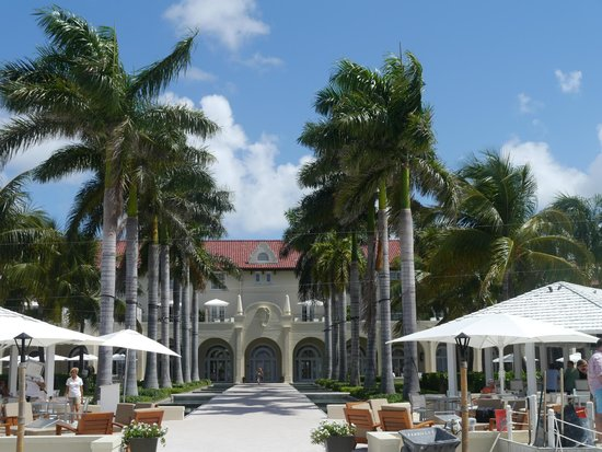 Casa Marina Key West, A Waldorf Astoria Resort : внутренний двор