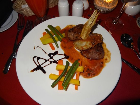 Pirogue Restaurant & Bar: Beef steak