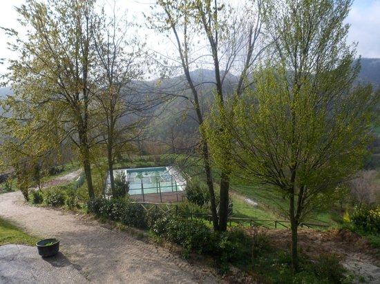 La Cittadella dei Monti Sibillini: Esterno con piscina