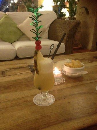 Princesa Yaiza Suite Hotel Resort: Cocktails at the piano bar