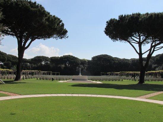 Jimmy Tour - Rome Private Tour : Beach Head War Cemetary Anzio