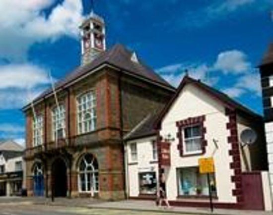 Lloyd Thomas Centre: Lampeter Town Hall