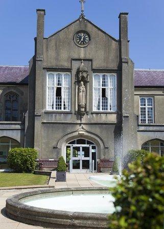 Lloyd Thomas Centre: St Davids Building